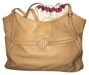 Tory Burch Leather Weekend Tote in Aged Vachetta