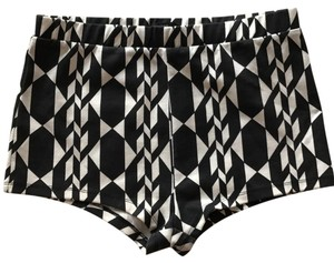 Forever 21 Mini Going Out And White Stretchy Comfortable Mini/Short Shorts black