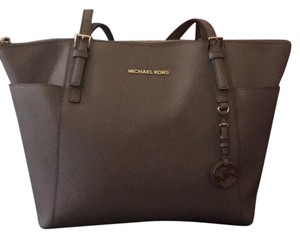 Michael Kors Tote in sand dune (grey-ish)