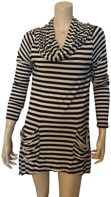 Item - Black and White Striped Tunic Size 10 (M)