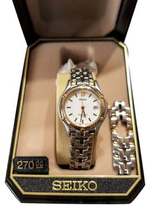 Seiko Ladies Seiko Watch with Extra Battery & links & Box with manual