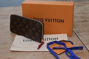 Louis Vuitton NWT!!! Louis Vuitton Clemence Wallet small Pink