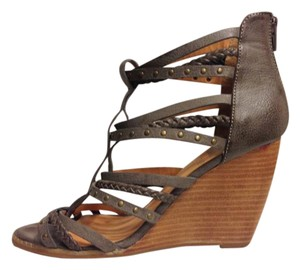 Crown Vintage Cage Leather Wedge Gray Sandals