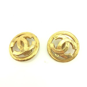 Chanel Chanel CC Logo Gold plated Earrings Large Clip on style