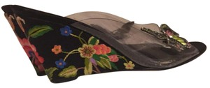 Beverly Feldman black with nice flower Mules