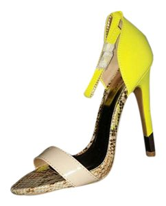 Qupid Heel Yellow Neon Buckles Neon Yellow/Gold Sandals
