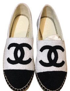 Chanel white and black Flats