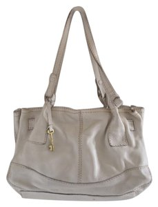 Fossil Tote in Off white