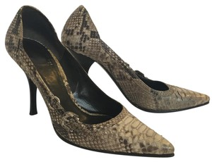 Burberry Snakeskin Python Exotic cream/black/light brown/grey Pumps