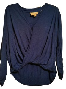 Two By Vence Camuto Top Royal Blue