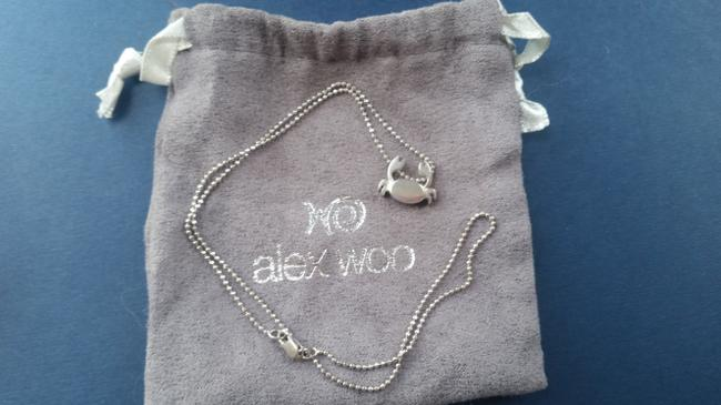Item - Silver Crab with Pouch Necklace