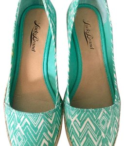 Lucky Brand Mint/White Wedges