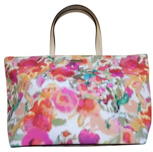 Kate Spade Leather Trim Gold Hardware Double Slide Pockets Interior Zipper Grainy Vinyl Tote in Giverny Floral
