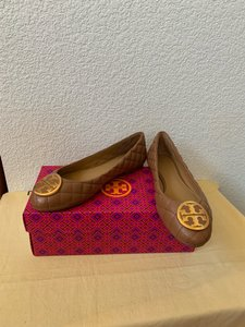 Tory Burch Brown ( Royal Tan) Flats