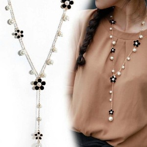 Pearl and rhinestone necklace Long flower rhinestones Pearl lariat Y sweater necklace