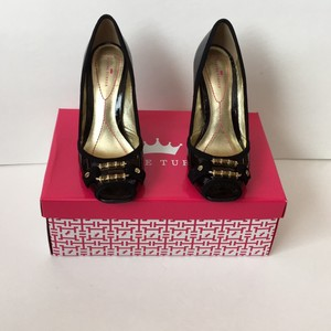 Elaine Turner Eggplant (black and gold) Pumps