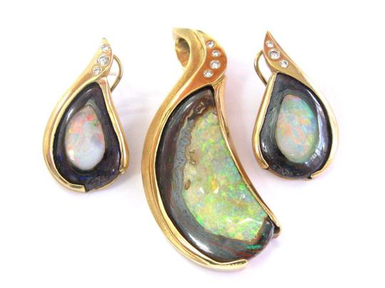 Other 18Kt Opal Diamond Pendant & Earrings Yellow Gold .50Ct Image 3