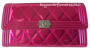 Chanel BNIB Metallic Fuchsia Pink Patent Leather Boy Flap Wallet *SOLD OUT*!!