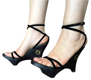 Gucci Italian Black Wedges