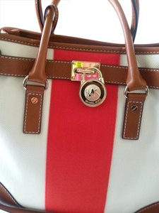 Michael Kors Next Day Shipping Tote in Vanilla/Coral strip