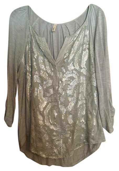 Item - Gray Embroidery Blouse Size 12 (L)