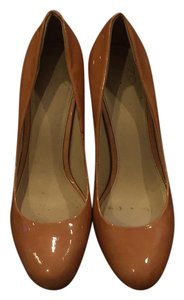 Joan & David Camel Tan Pumps