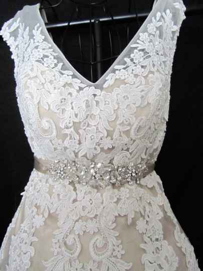 Maggie Sottero Ivory/Light Gold Lace and Tulle Lucinda 4mt036 Formal Wedding Dress Size 12 (L) Image 4