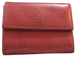 Gucci Wristlet in burgundy