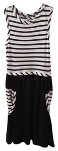 Marc by Marc Jacobs Sleeveless Striped Cotton Pockets Dress