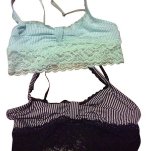 Gilly Hicks Lot 2 bralettes