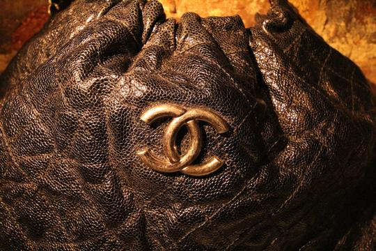 Chanel Caviar Leather Quilted Hobo Anitque Satchel in Black Image 2