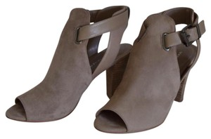 Marc Fisher Taupe Pumps