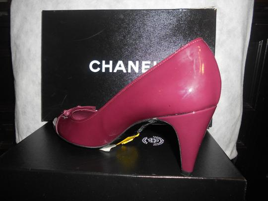 Chanel Two Tone Patent Leather Burgundy Pumps Image 11
