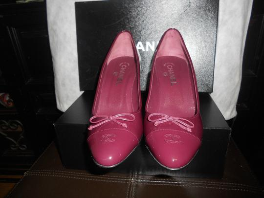 Chanel Two Tone Patent Leather Burgundy Pumps Image 3