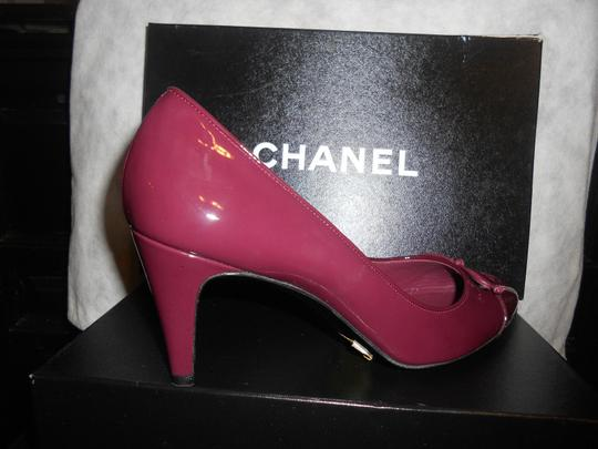 Chanel Two Tone Patent Leather Burgundy Pumps Image 7