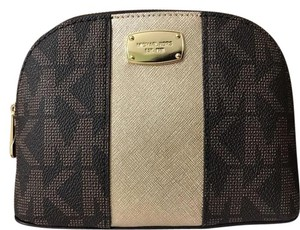 Michael Kors NEW Travel Met Center Signature Brown Pouch/Cosmetic Case