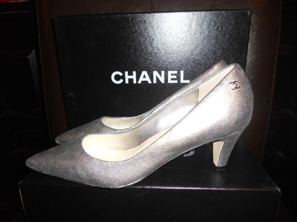 9c94e8e0668 Chanel Silver Metallic Leather Cc Logo Pointed Toe Low Pumps Size US 7  Regular (M