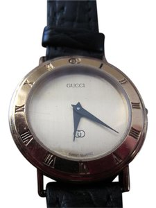 Gucci Women's Gucci Watch Sapphire Crystal Jeweled Movement Accurate Time