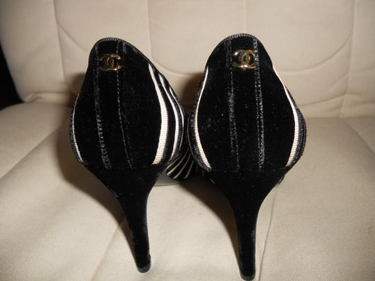 Chanel Cap Toe Velvet Striped Black/Cream Pumps Image 2