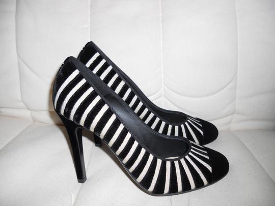 Chanel Cap Toe Velvet Striped Black/Cream Pumps Image 5