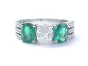 Other 18Kt Diamond & Green Emerald Three Stone White Gold Engagement Ring 2.