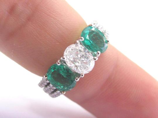 Other 18Kt Diamond & Green Emerald Three Stone White Gold Engagement Ring 2. Image 3