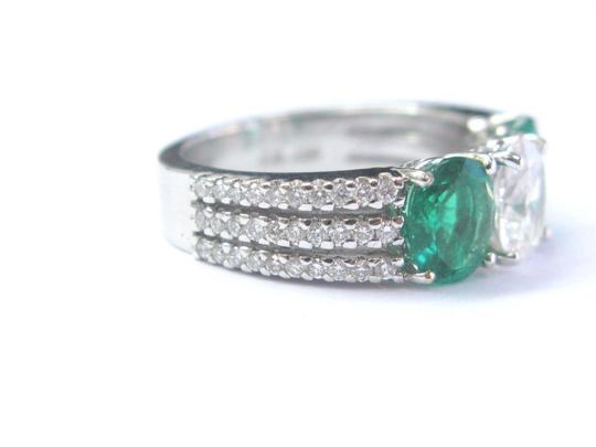 Other 18Kt Diamond & Green Emerald Three Stone White Gold Engagement Ring 2. Image 6