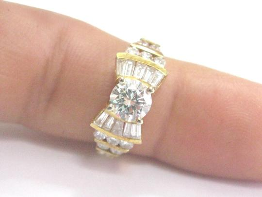 Other 18Kt Round & Baguette Diamond Yellow Gold Engagement Ring 1.86Ct Image 4