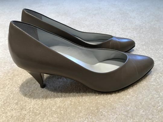 Etienne Aigner Leather Size 7m Classic Taupe Pumps Image 2
