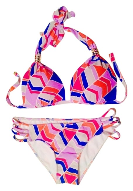 Gianni Bini NWT Gianni Bini bikini swimsuit. Brand new, never worn. Large top. Small bottom