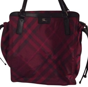 Burberry Tote in Maroon/Black