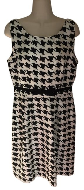 Preload https://img-static.tradesy.com/item/21002968/kate-spade-black-and-white-new-without-tags-short-casual-dress-size-10-m-0-1-650-650.jpg