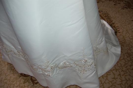 Andy Anand Couture Ivory Satin Elegant A-line Wedding Dress Size 16 (XL, Plus 0x) Image 6