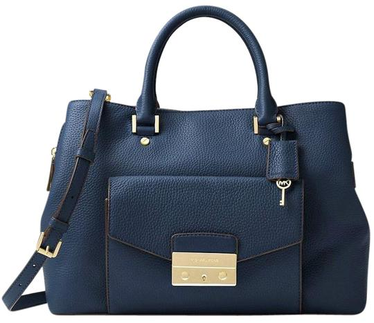 Preload https://img-static.tradesy.com/item/21003590/michael-kors-haley-large-style-30f6gils3l-navy-pebbled-leather-satchel-0-3-540-540.jpg
